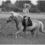 Pony_Mensch_SW_Sepia_1